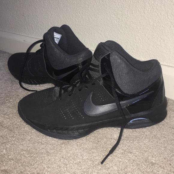 All black nike basketball shoes
